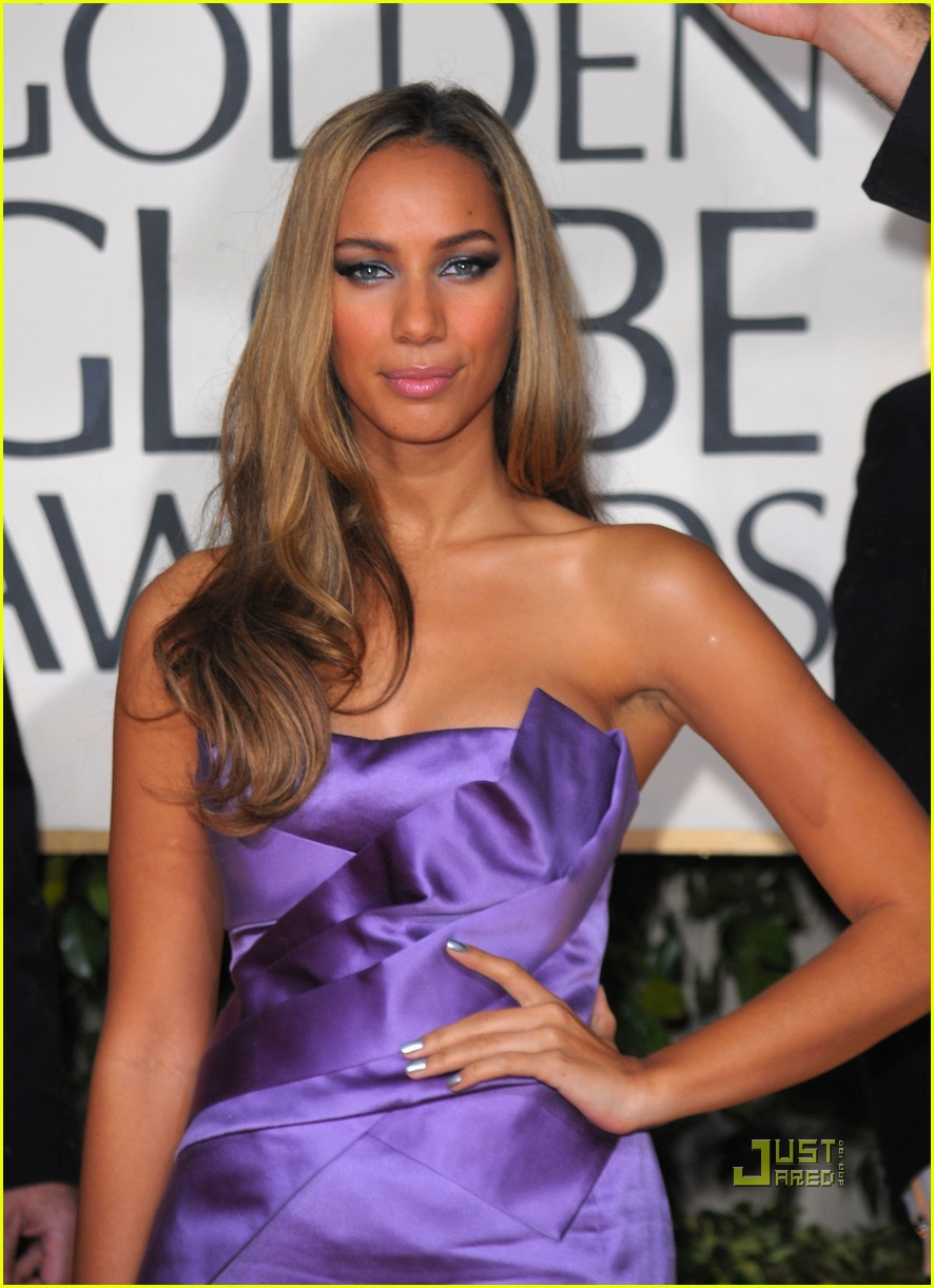 leona lewis 2010 golden globes red carpet 052409139