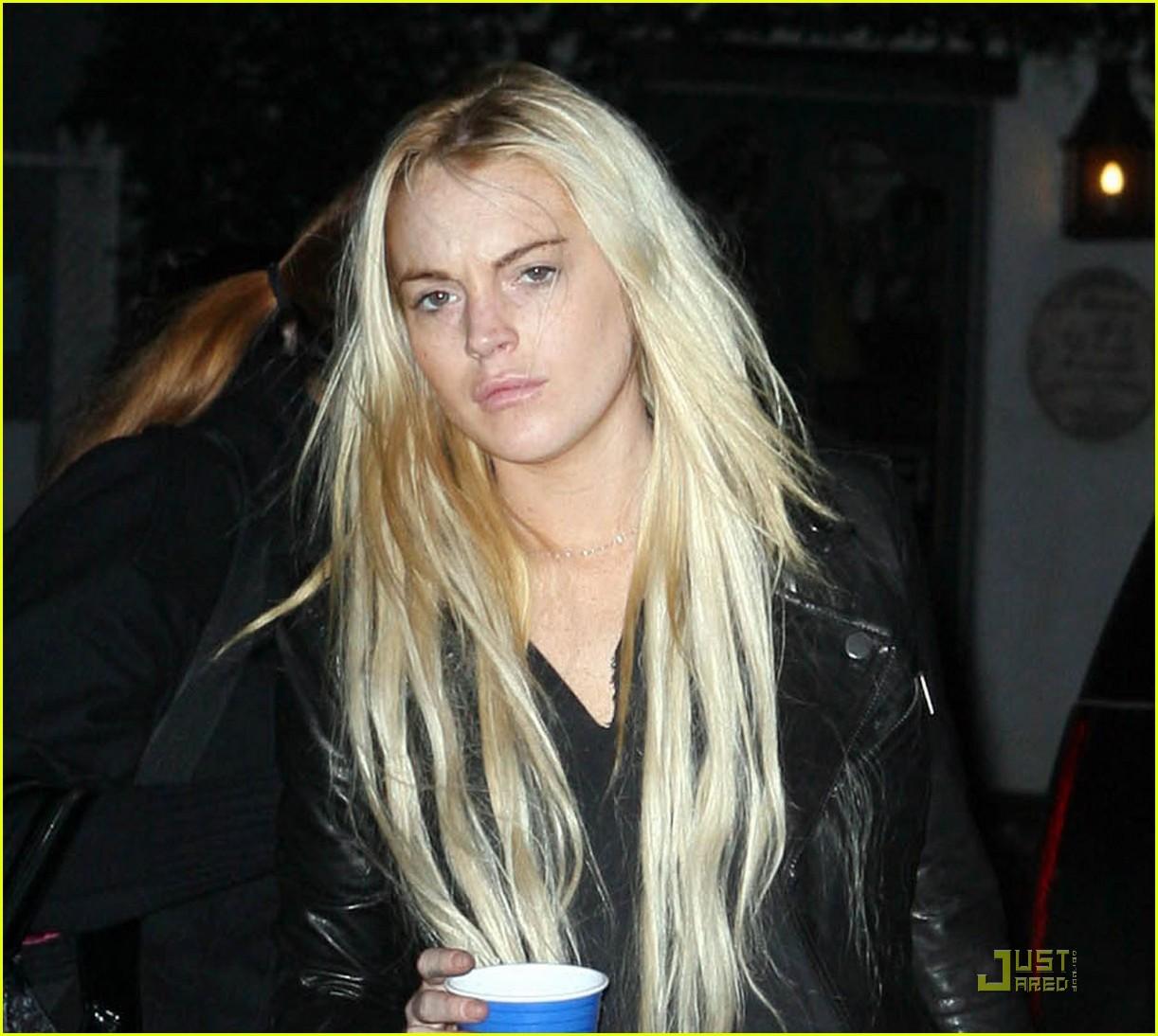 lindsay lohan hair care stare 08
