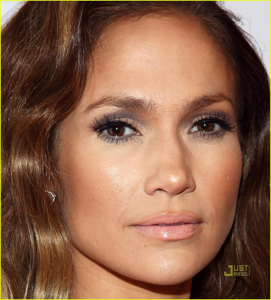 Jennifer Lopez Makes An About Face Photo 2410539 Brad