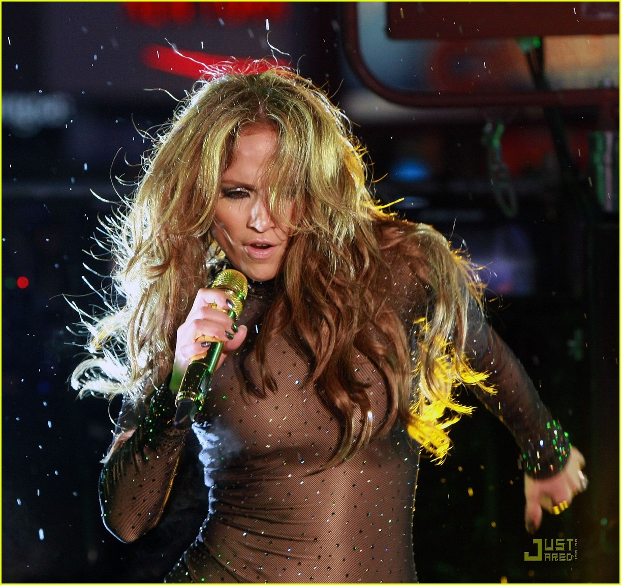 jennifer lopez skintight bodysuit new years eve 062405352