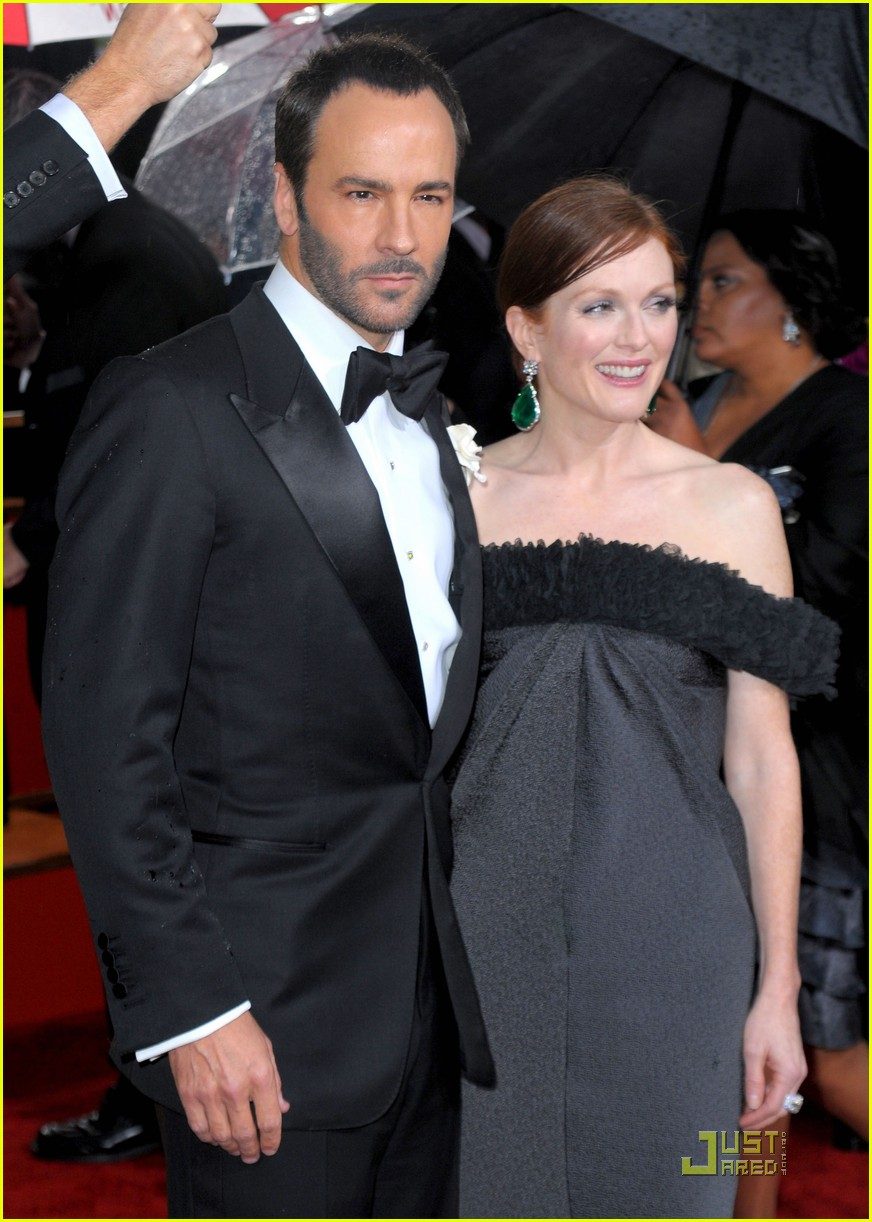 julianne moore golden globes 2010 032409152