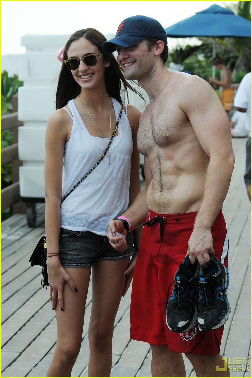 matthew morrison shirtless miami beach 03