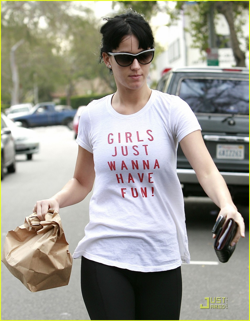 katy perry girls have fun 102411529