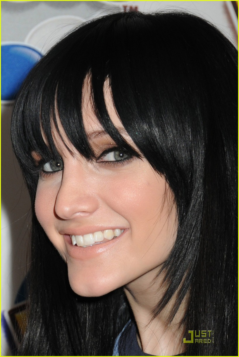 ashlee simpson pieces pretty 052411940