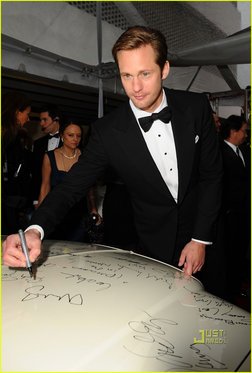 alexander skarsgard golden globes 2010 red carpet 05