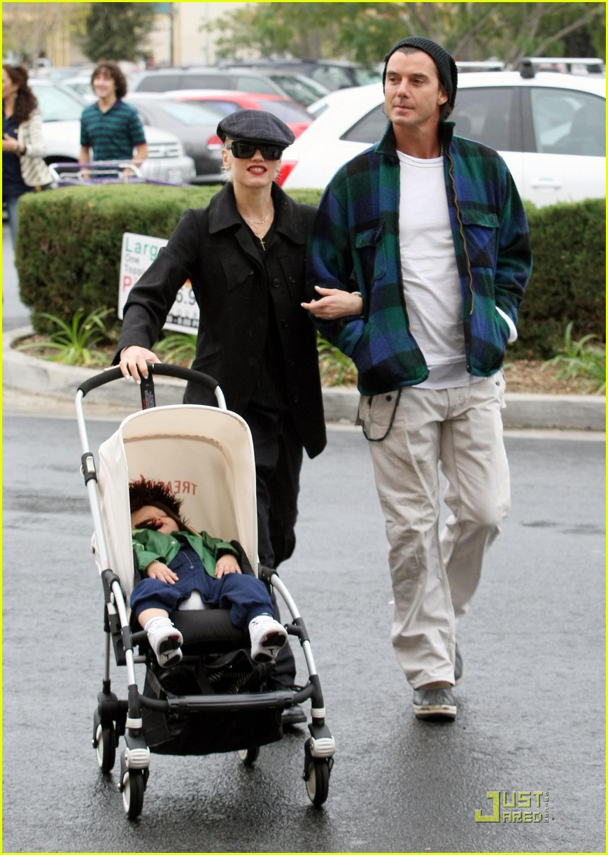 gwen stefani rossdale buying boys 102409894