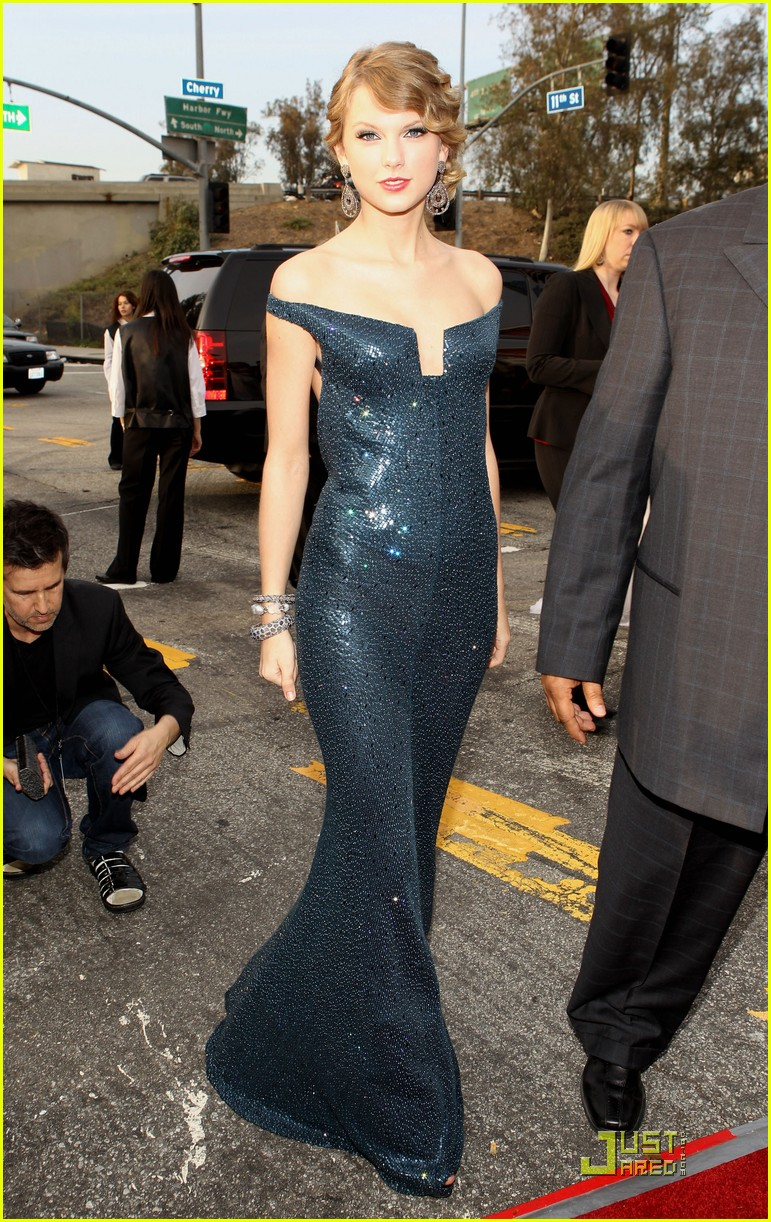taylor swift 2010 grammys 042413086