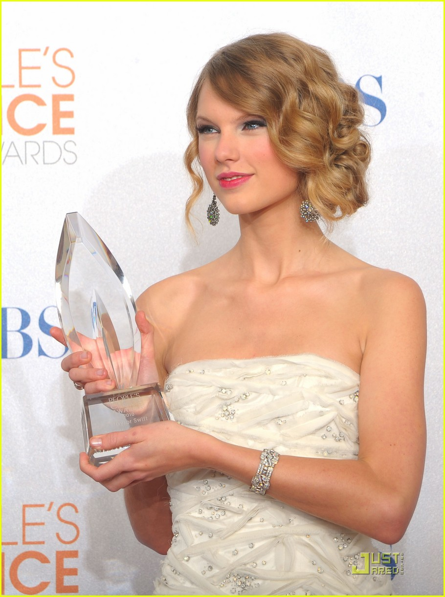 taylor swift peoples choice 2010 01