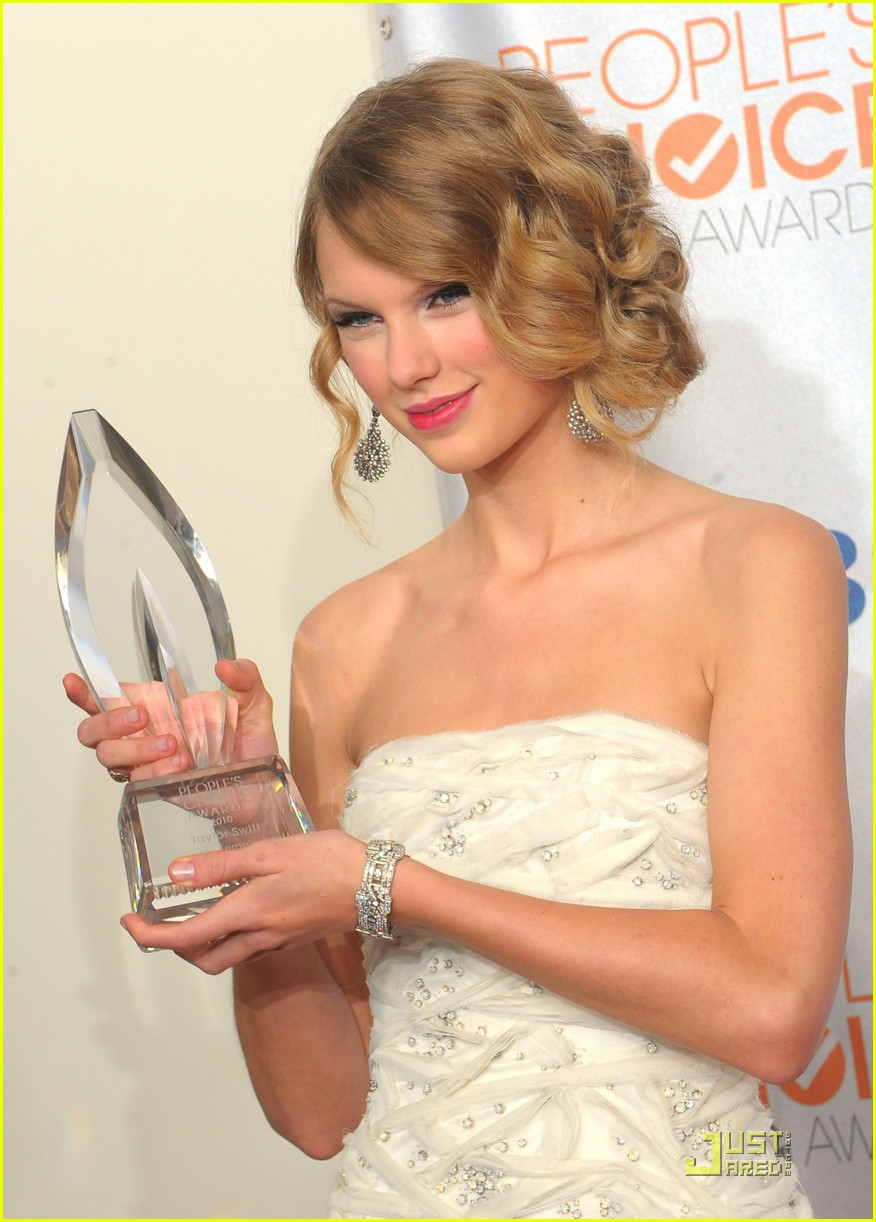taylor swift peoples choice 2010 072406659