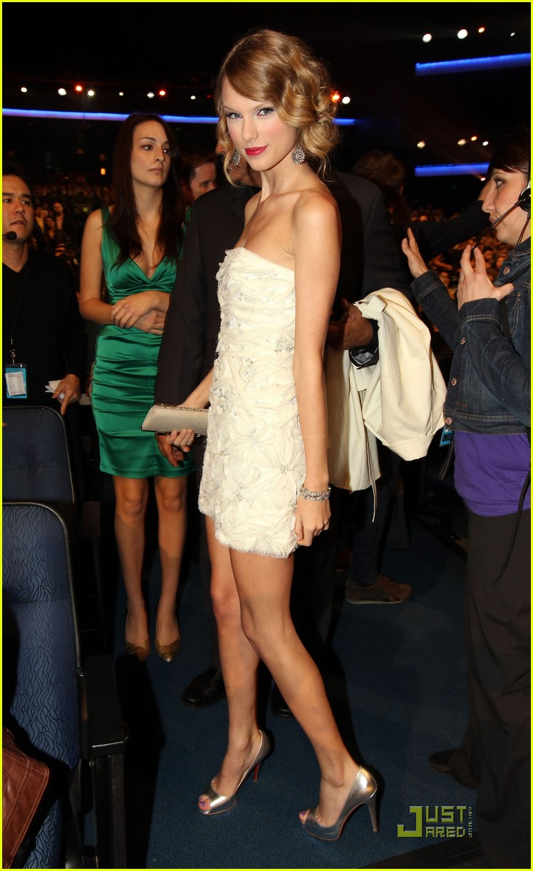 taylor swift peoples choice 2010 212406673