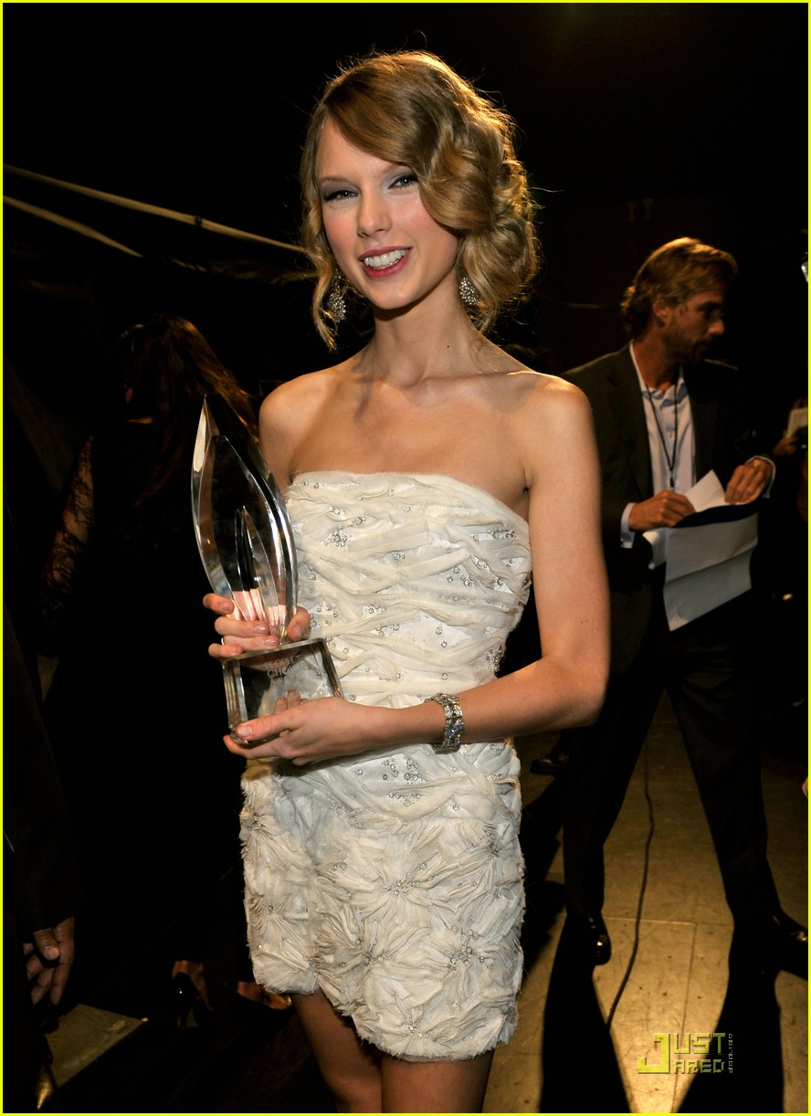 taylor swift peoples choice 2010 242406676