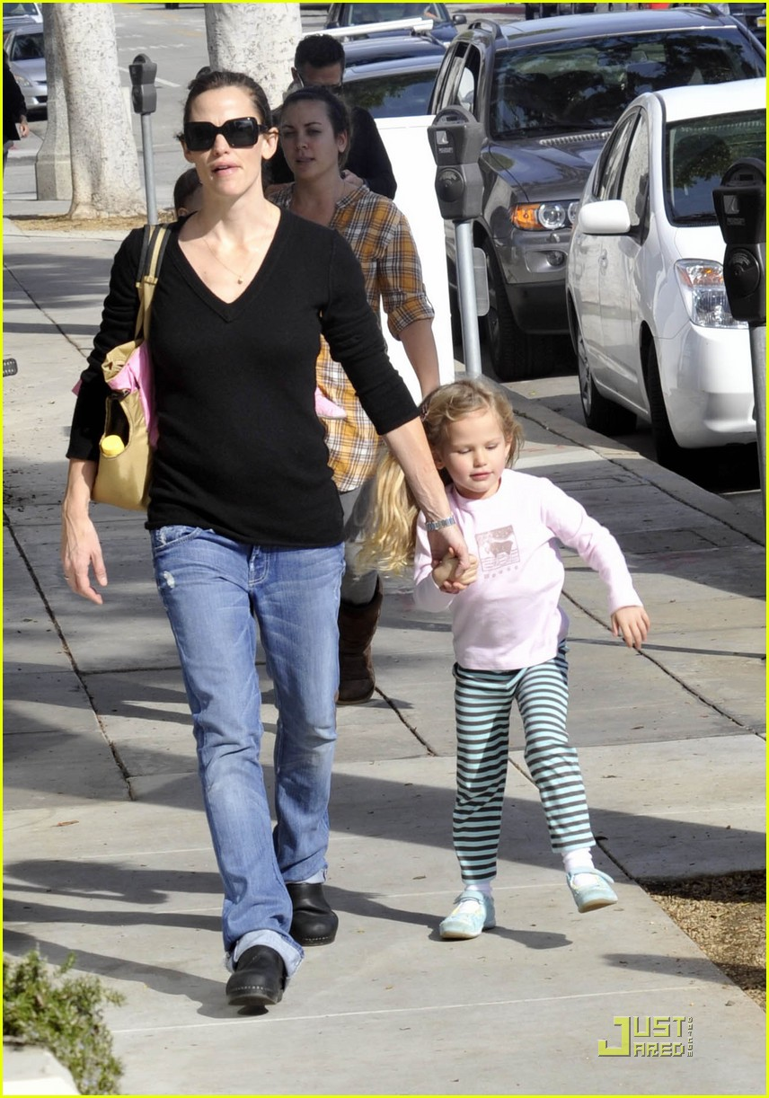violet affleck mommy and me 062405316