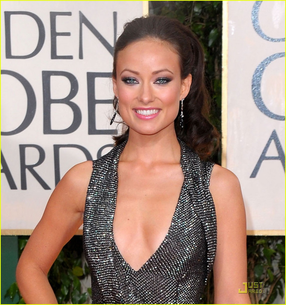 olivia wilde 2010 golden globe awards red carpet 02