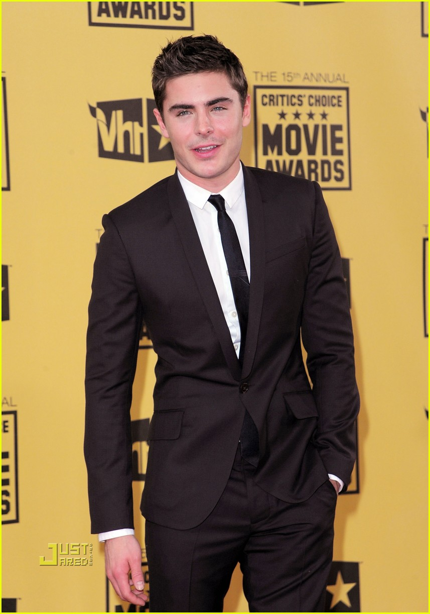 zac efron critics choice awards 2010 012408570