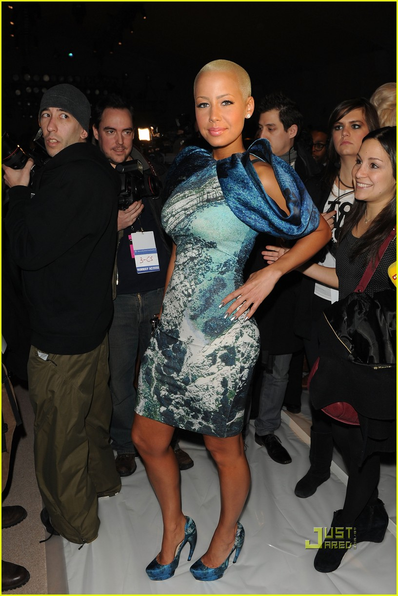 amber rose christian siriano new york fashion week 14