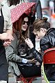 rachel bilson eating in the rain 12