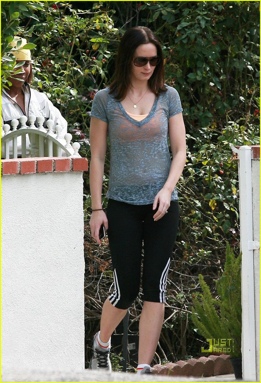 emily blunt 27th birthday work out meeting 022429999