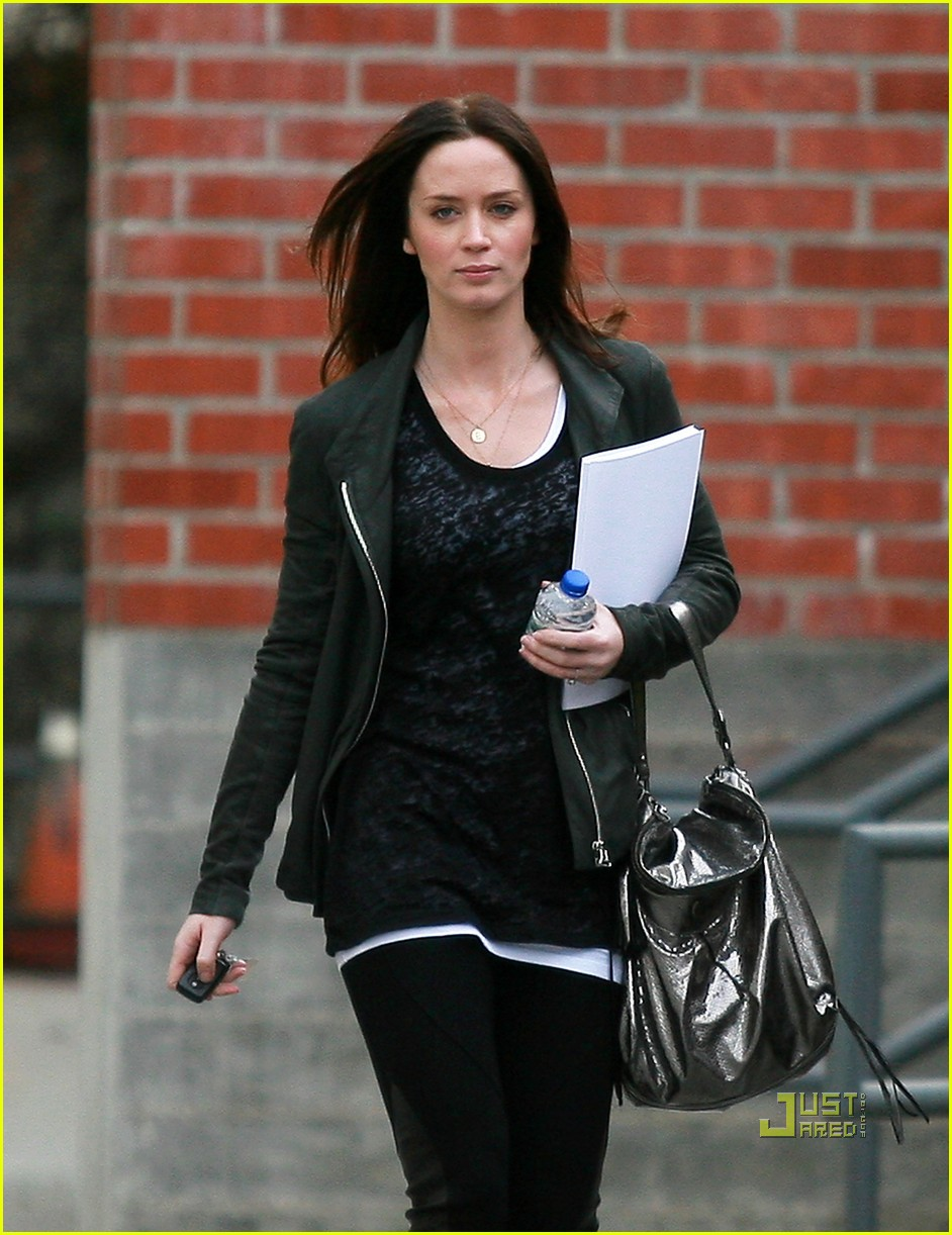 emily blunt 27th birthday work out meeting 05