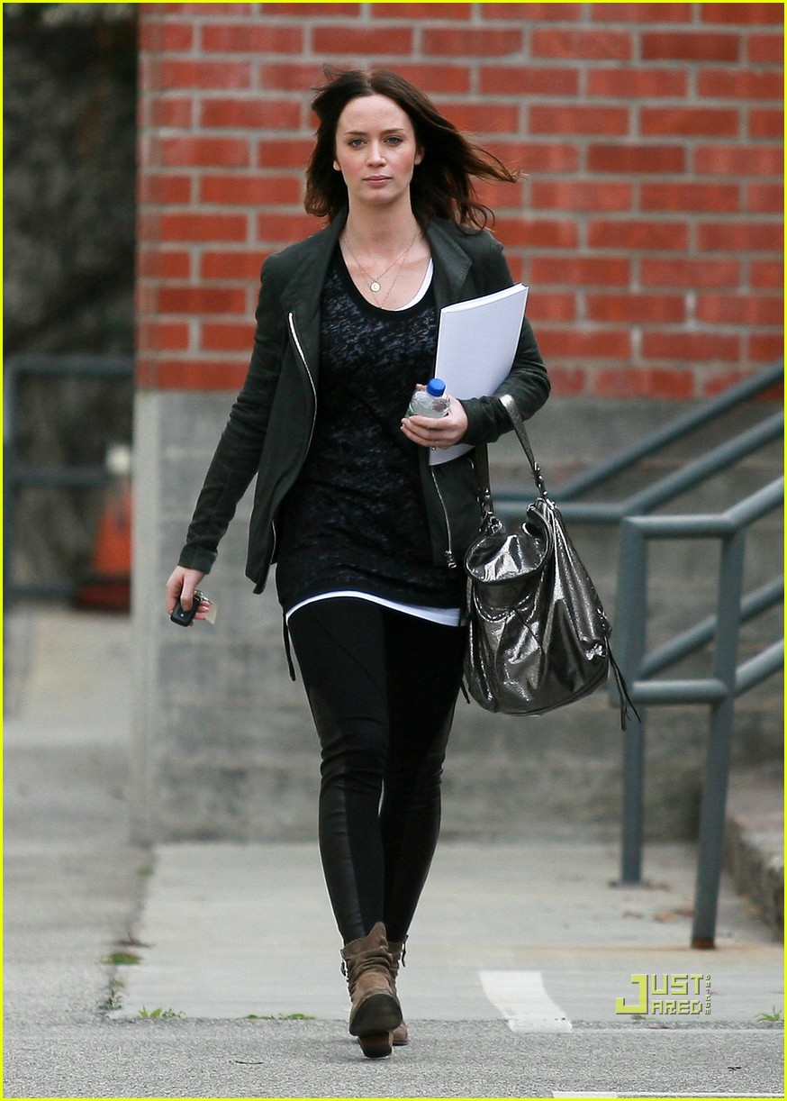 emily blunt 27th birthday work out meeting 092430006