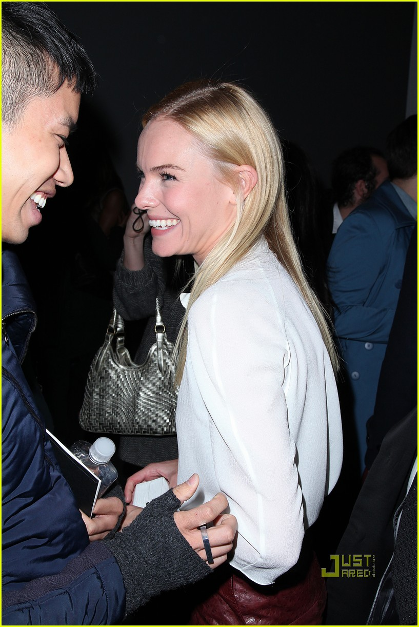 kate bosworth calvin klein front row 02