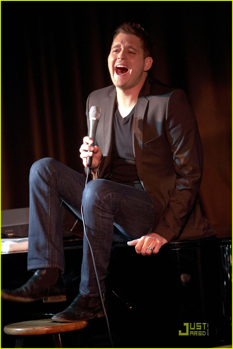 michael buble is a polished performer 032424820