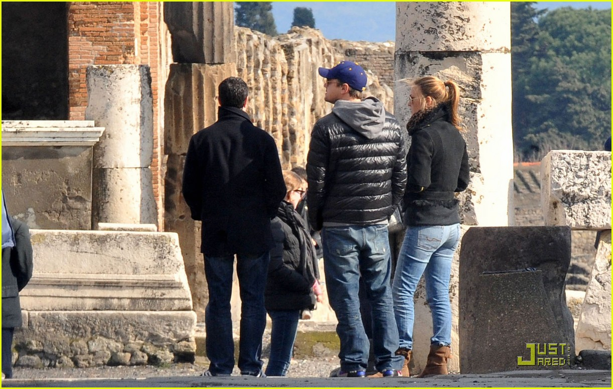 leonardo dicaprio bar refaeli play in pompei 02