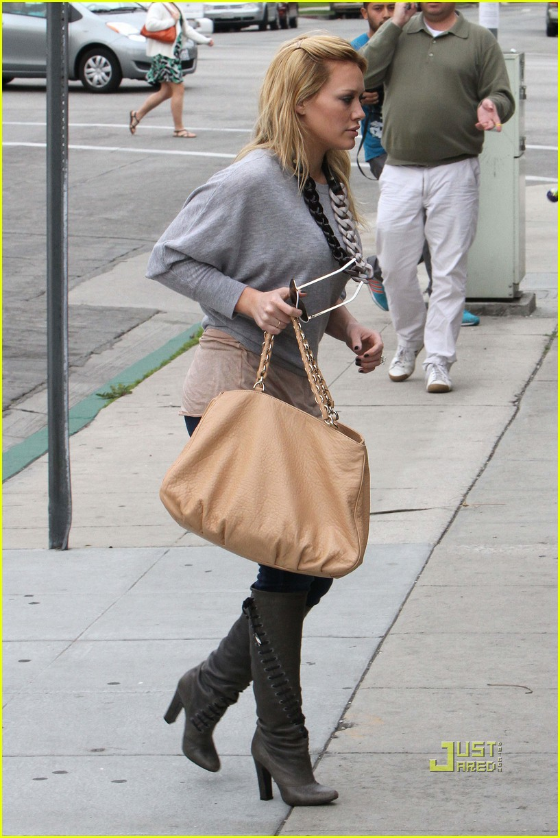 hilary duff beauty and the briefcase 022430369