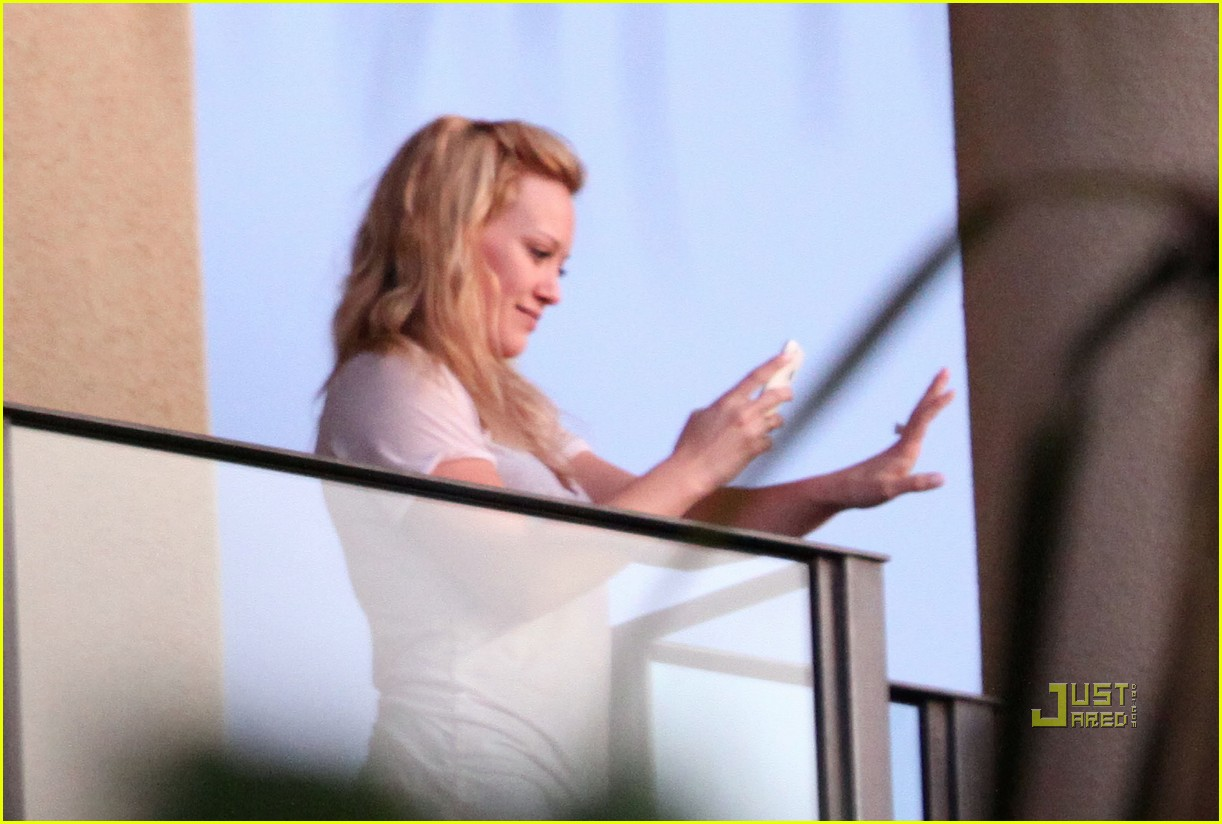 hilary duff mike comrie proposal hawaii 022429443