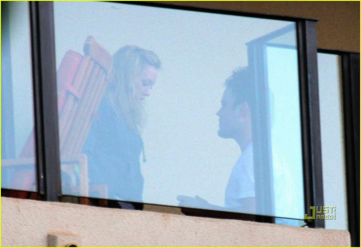 hilary duff mike comrie proposal hawaii 032429444