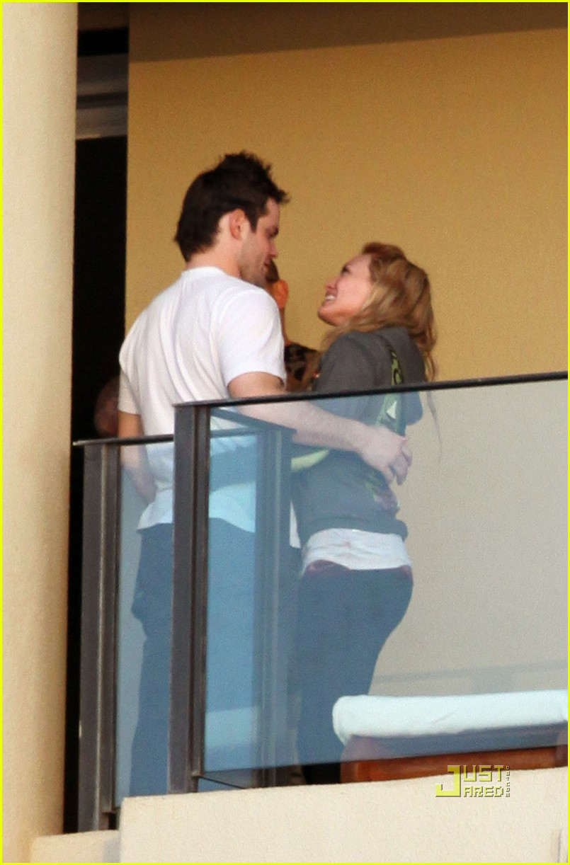 hilary duff mike comrie proposal hawaii 082429449