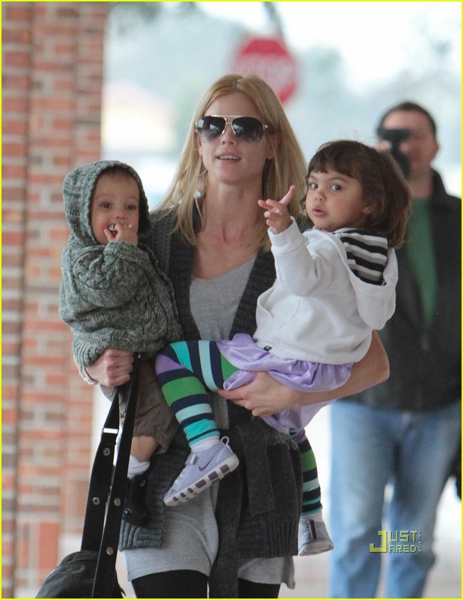 elin nordegren takes her kids for a checkup  photo 2426551