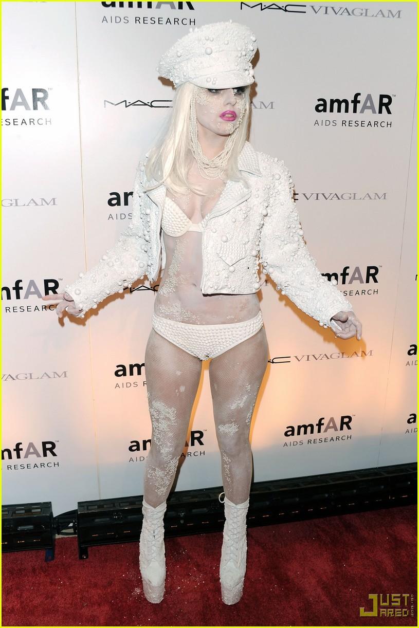 lady-gaga-amfar-new-york-gala-04.jpg