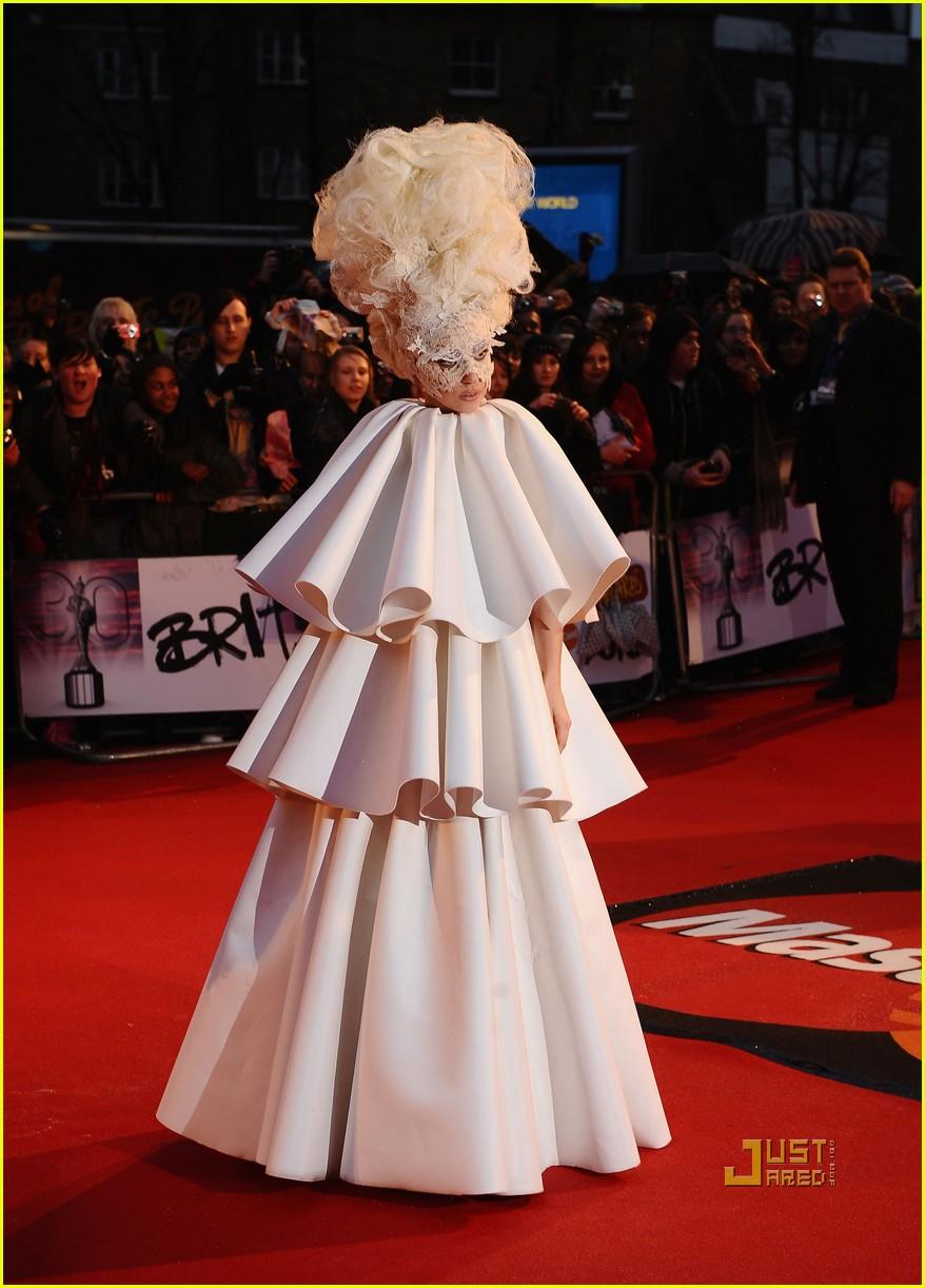 lady gaga brit awards white tier dress 042428118