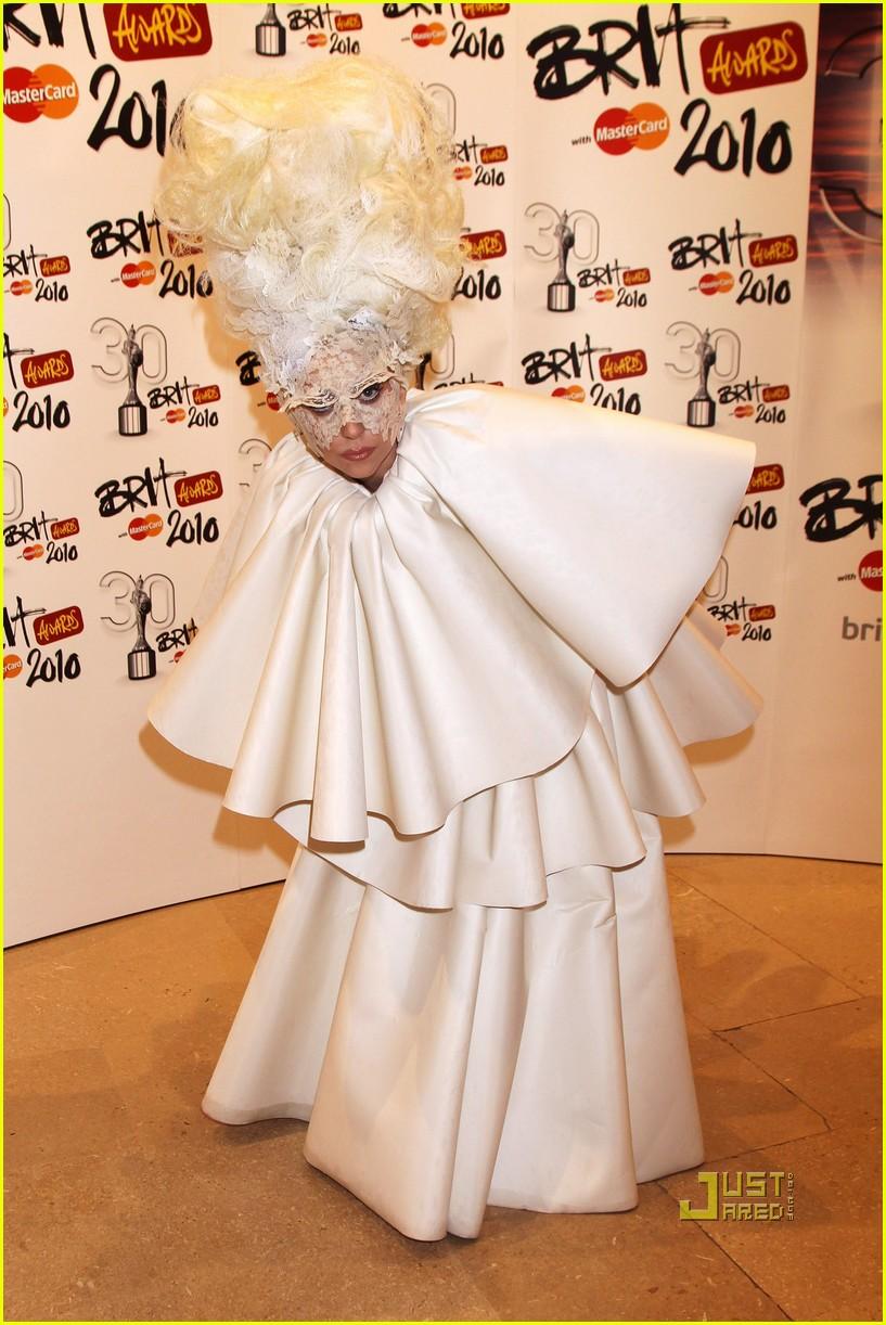 lady gaga brit awards white tier dress 082428122