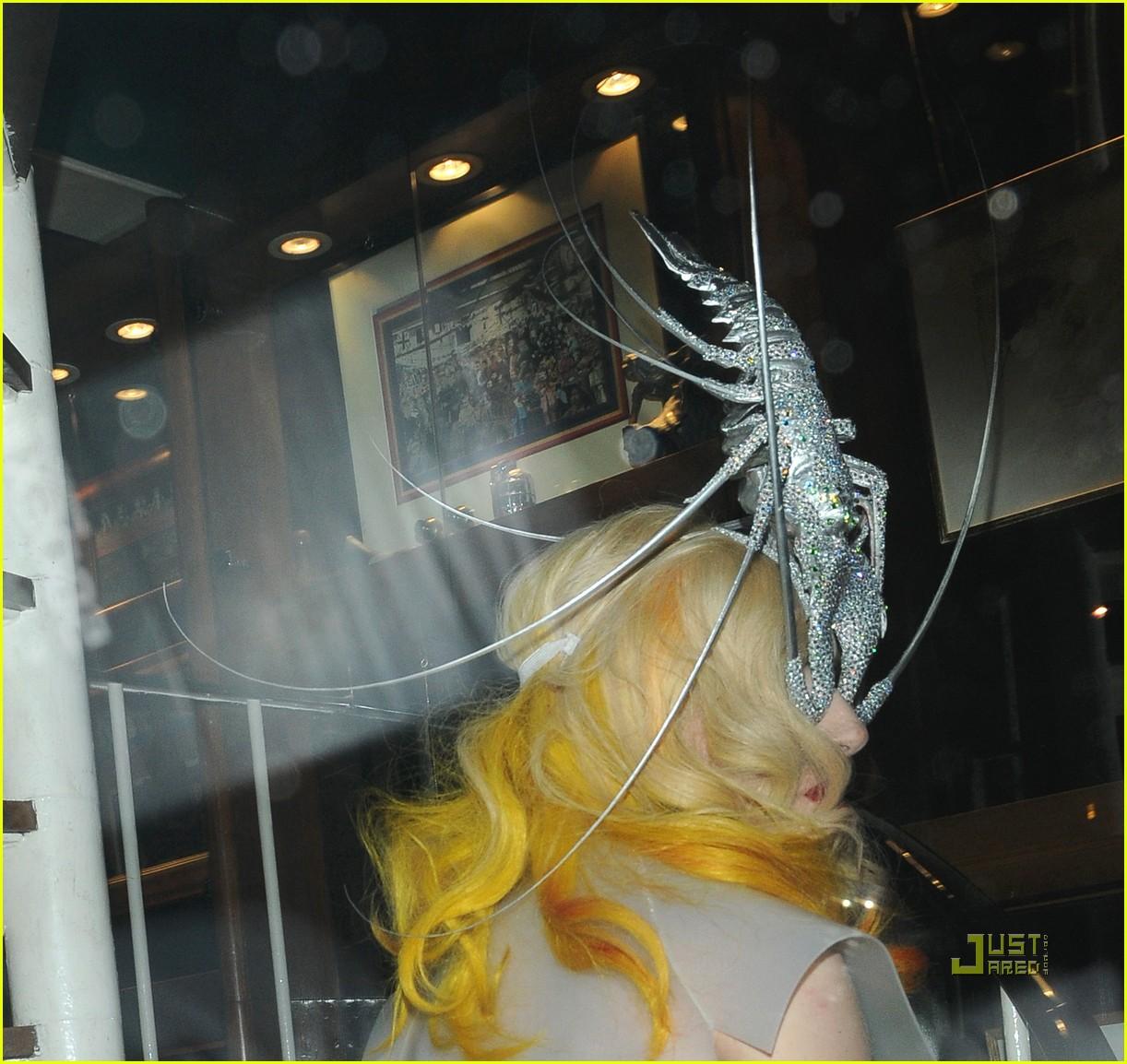 lady gaga lobster head 102430891