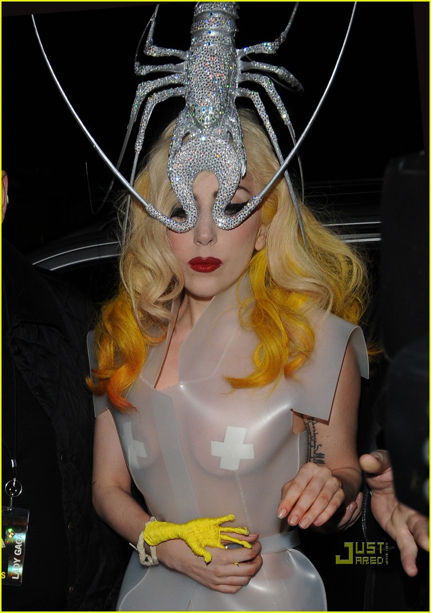 lady gaga lobster head 182430899