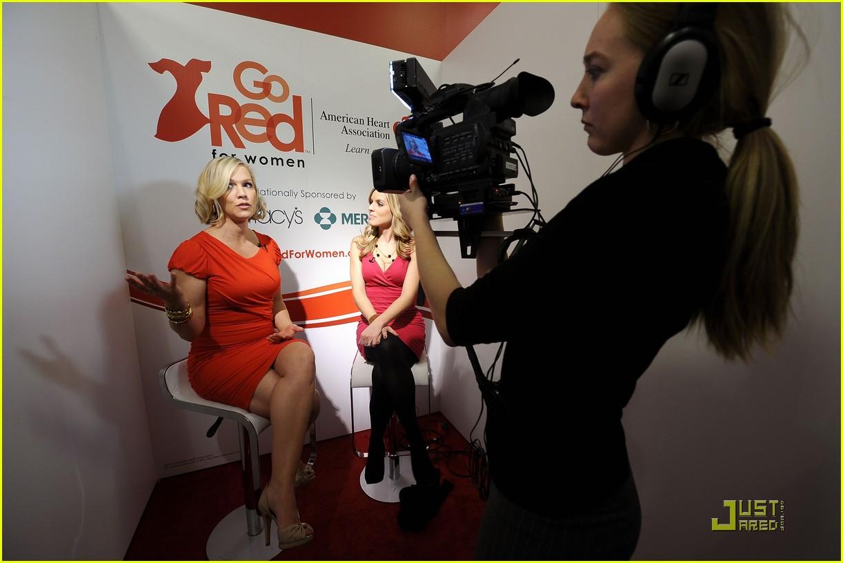 jennie garth go red for women 112425773