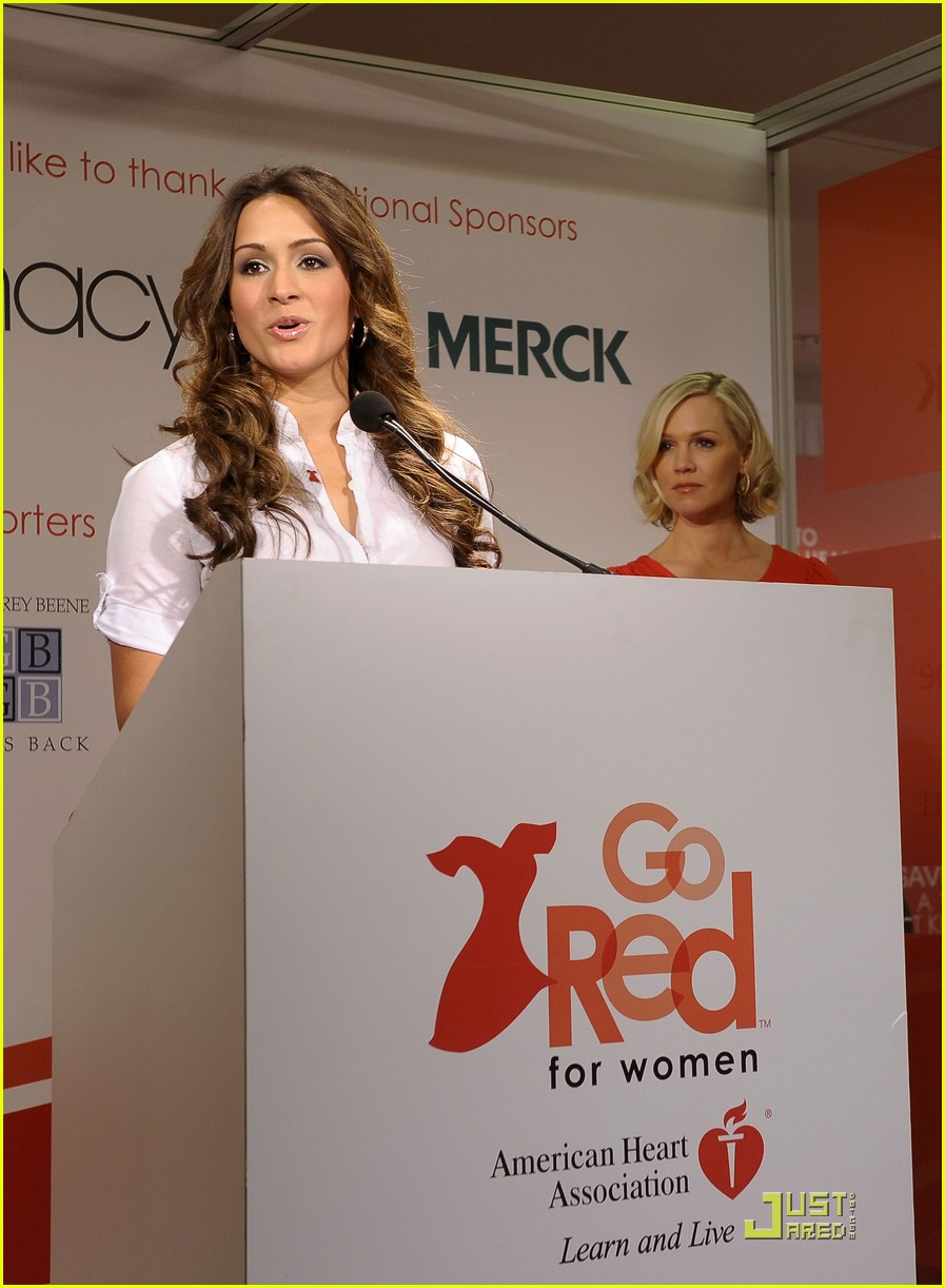 jennie garth go red for women 21