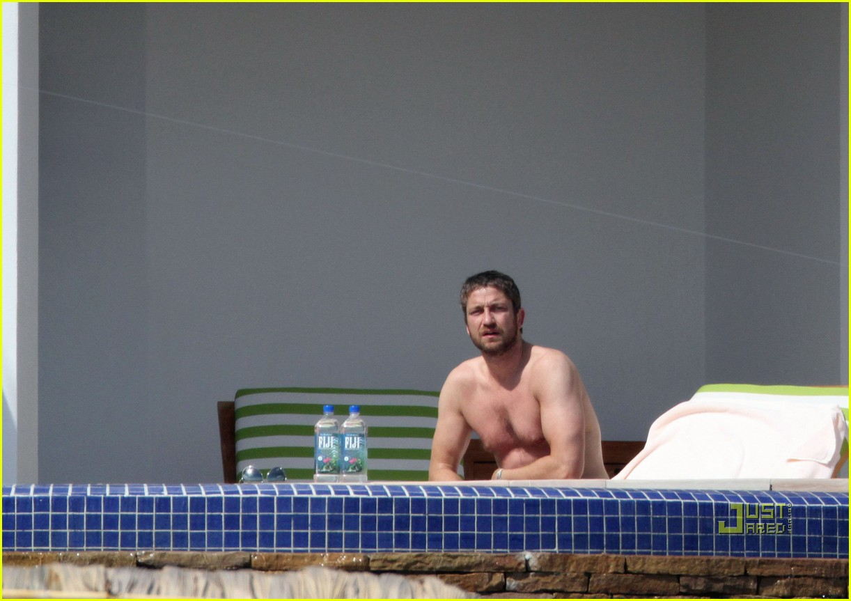 gerard butler jennifer aniston cabo birthday 03