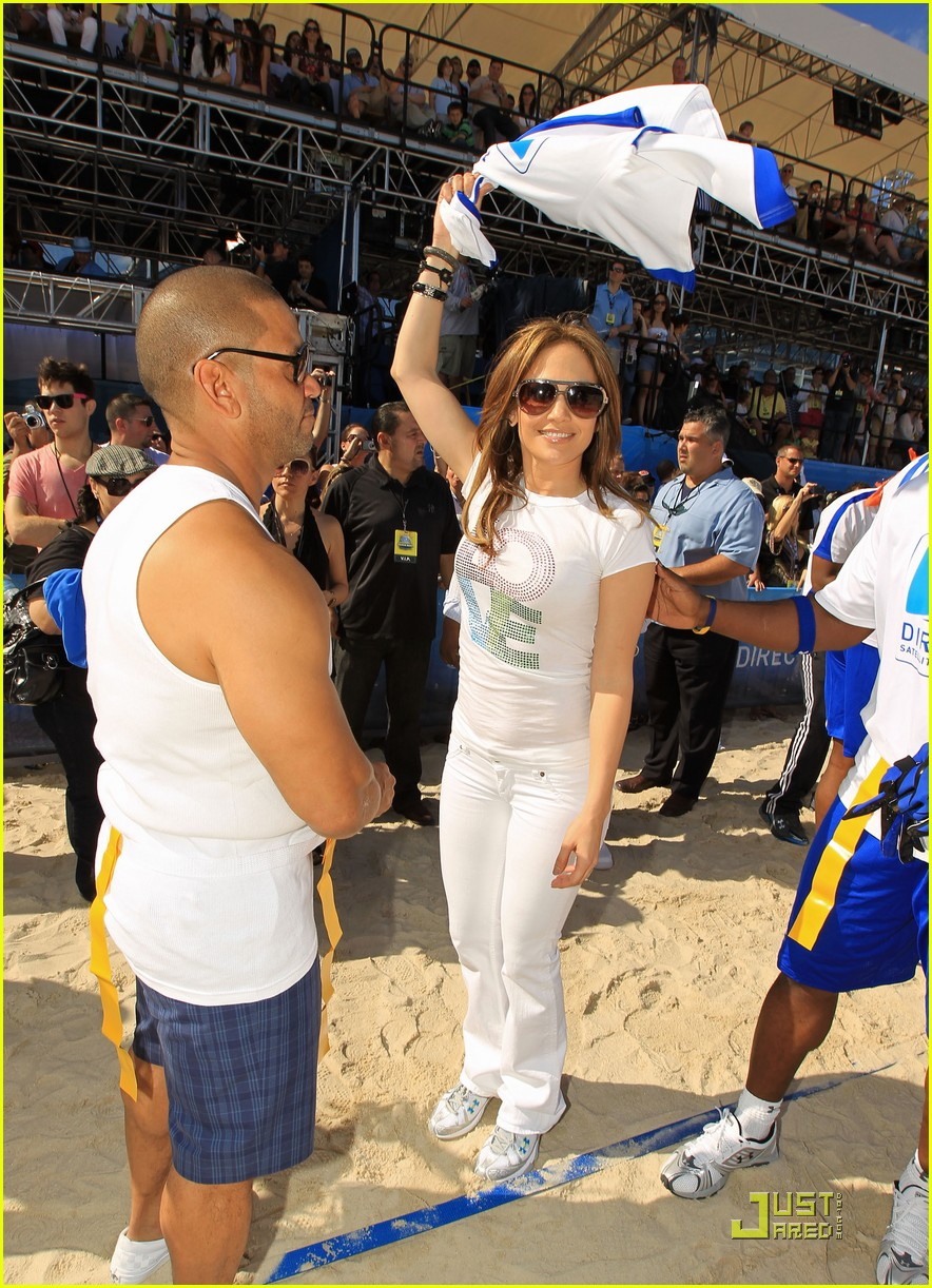 jennifer lopez directv celebrity beach bowl 172425944
