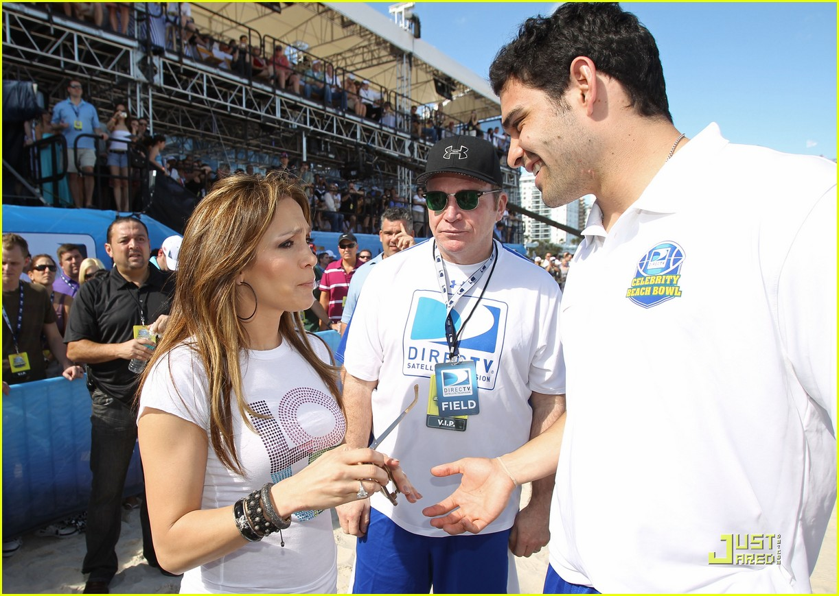 jennifer lopez directv celebrity beach bowl 24