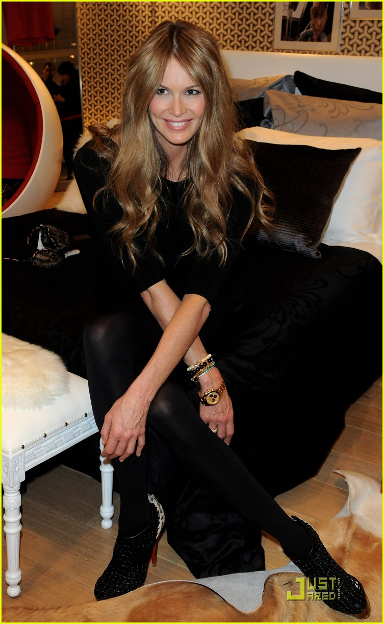 elle macpherson host of britains next top model 28