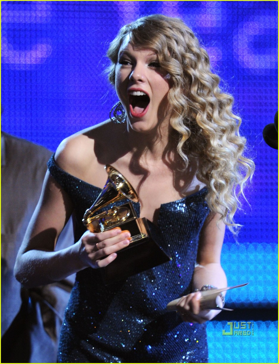 taylor swift fearless wins album of the year grammy 082413259