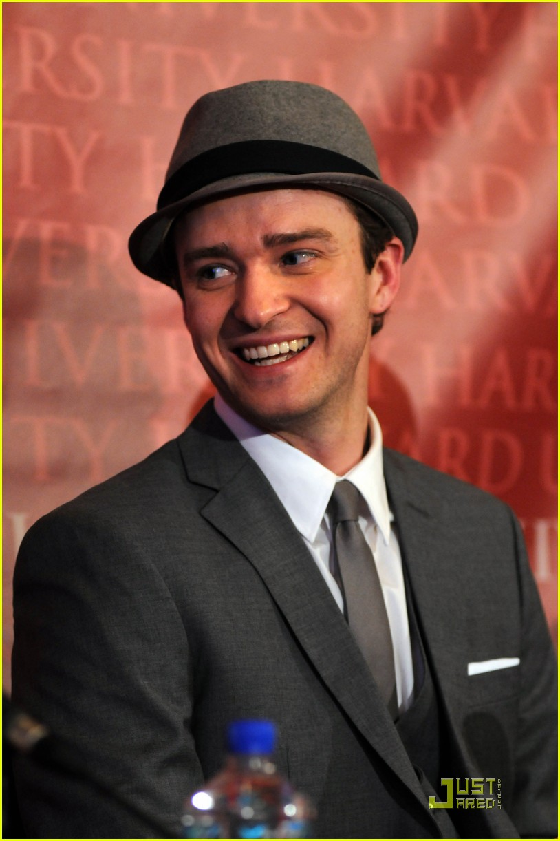 justin timberlake hasty pudding pot man of the year 022425738