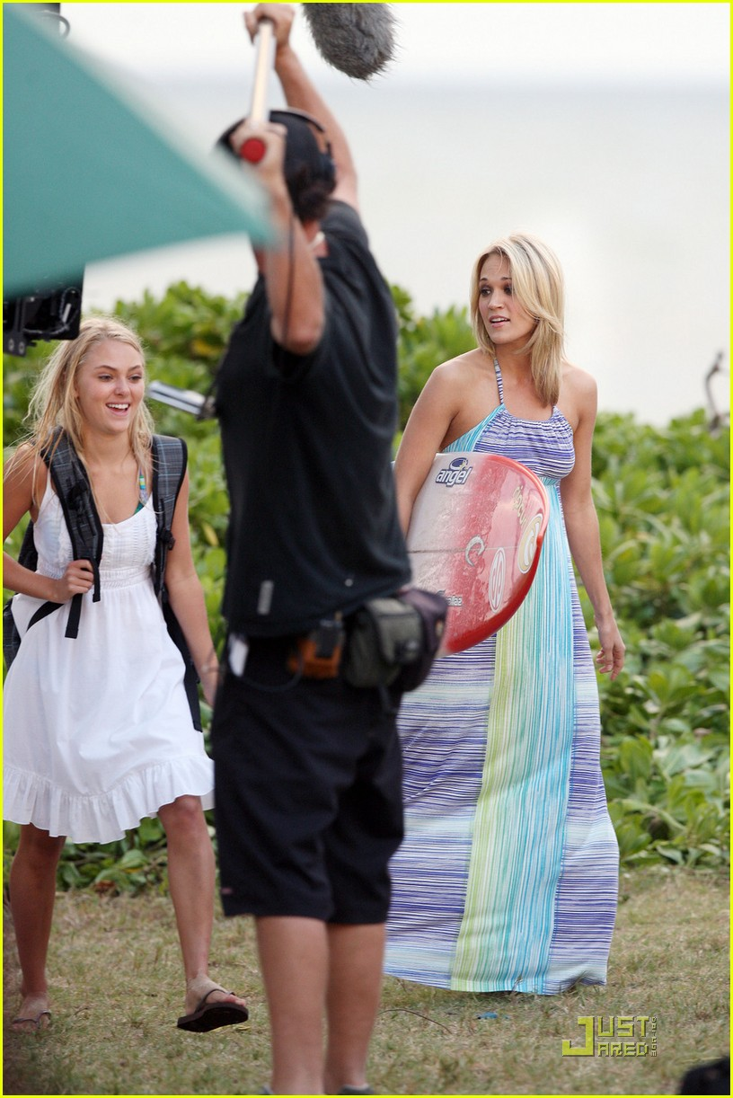 carrie underwood surfin usa 072427788