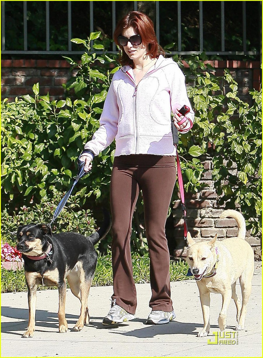 kate walsh dotes on her dogs 022413370