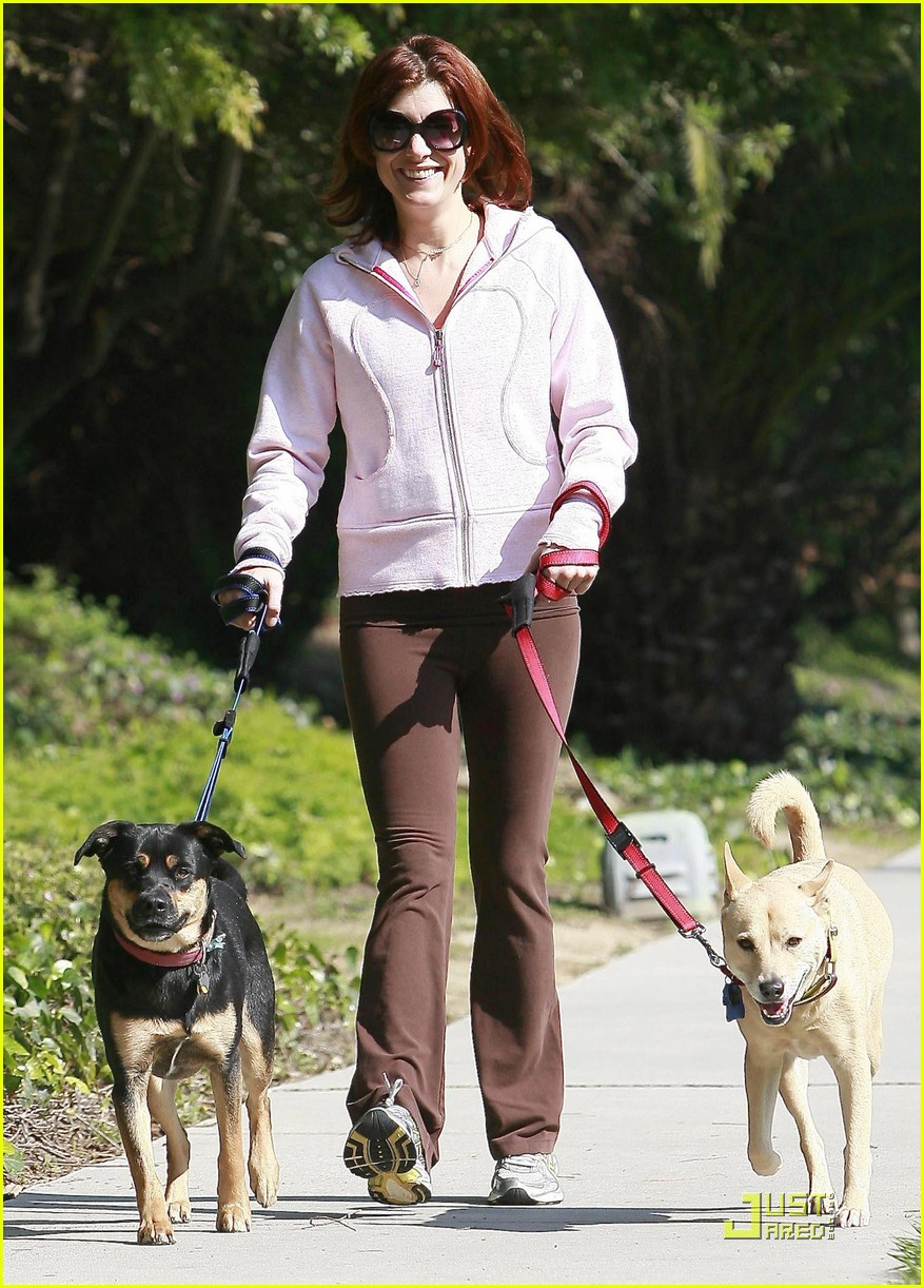 kate walsh dotes on her dogs 082413376