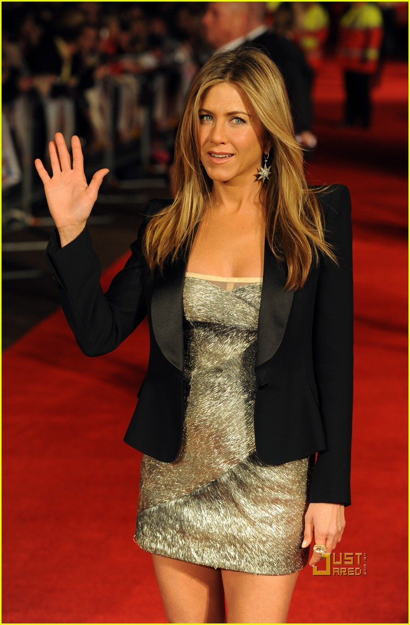 jennifer aniston bounty hunter uk premiere 152434037