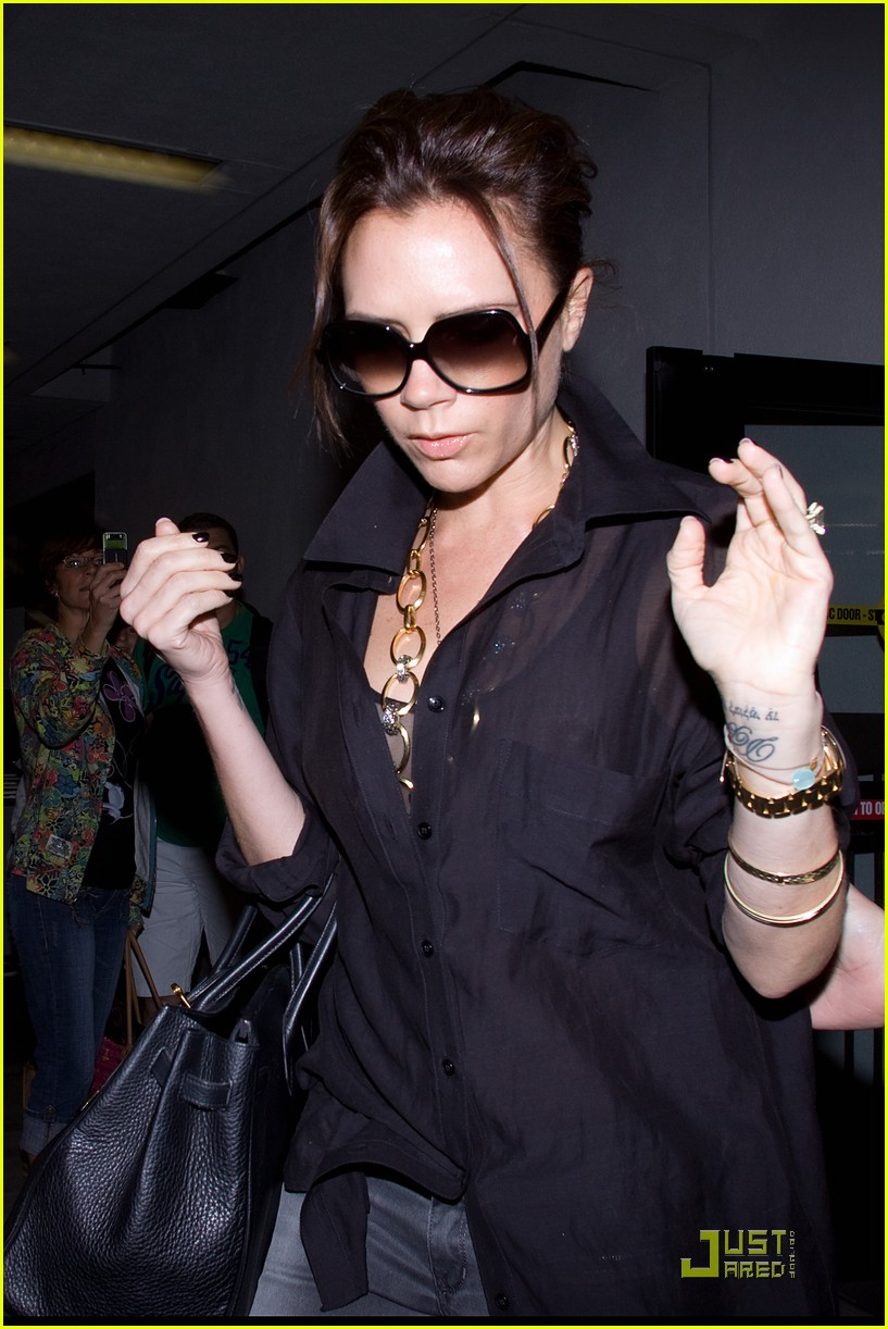 victoria beckham needs more time with her husband 062438247