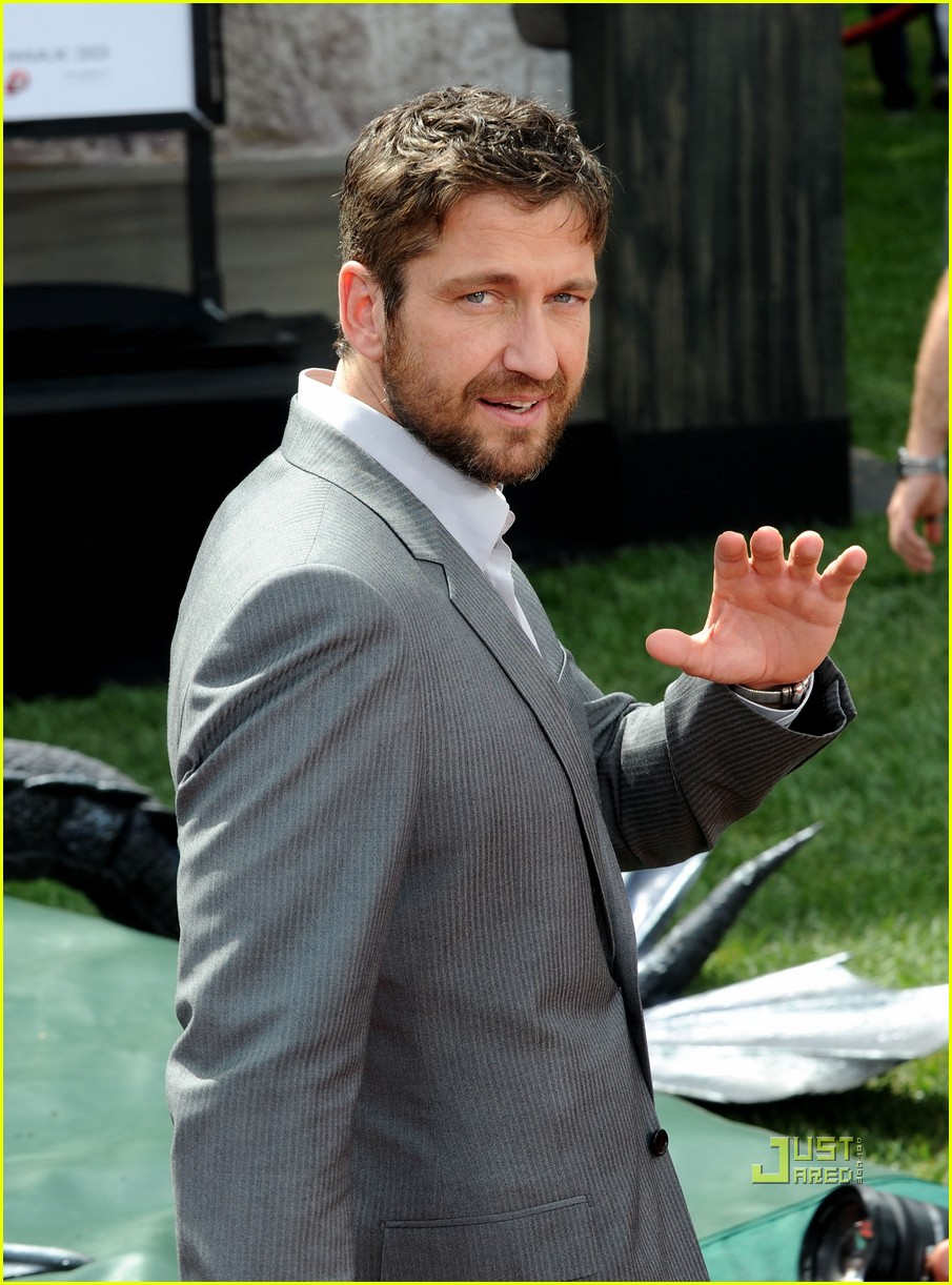 gerard butler how to train your dragon premiere 032436273